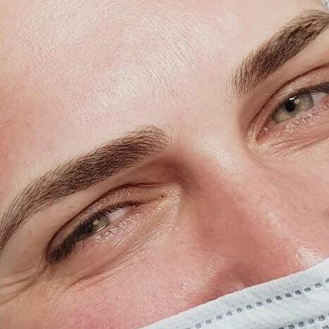 Voucher <br> Makijaż permanentny brwi metodą łączoną